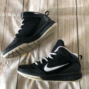 Nike Black & White Sneakers